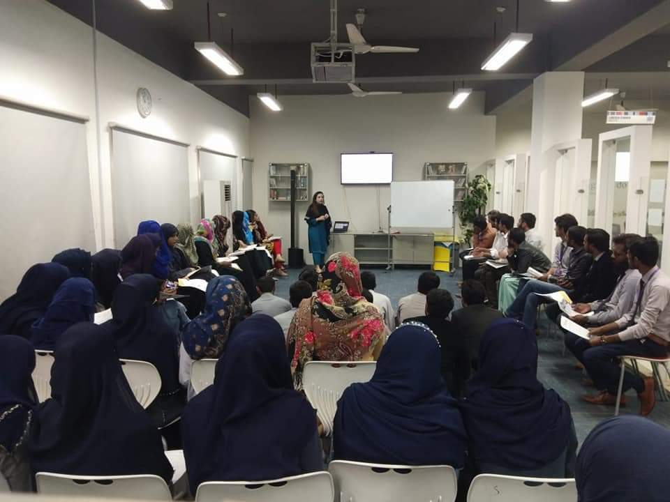EdUSA adviser, Maryam Zahra Khan addressing students during the outreach at Bahauddin Zakariya University