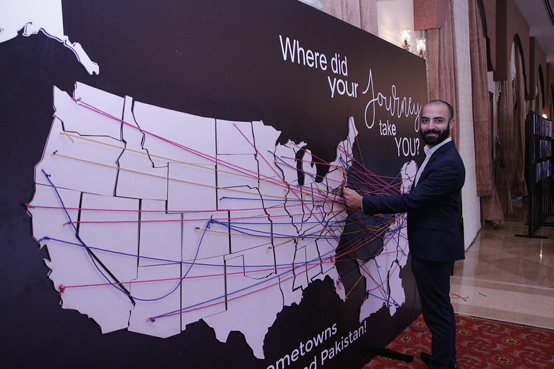 Alumni mapping their destinations in the U.S. on the map